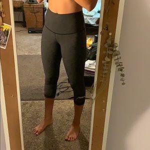 3/4 Lululemon cropped pants!